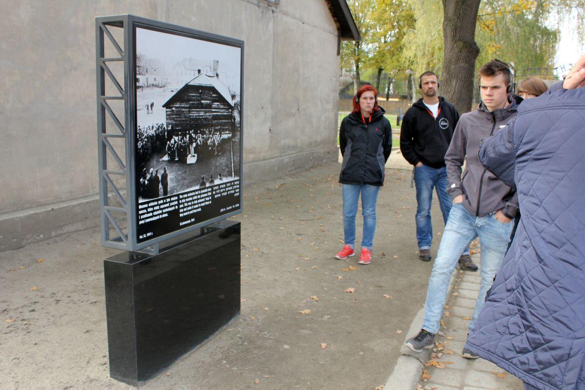 Auschwitz 14 2 290