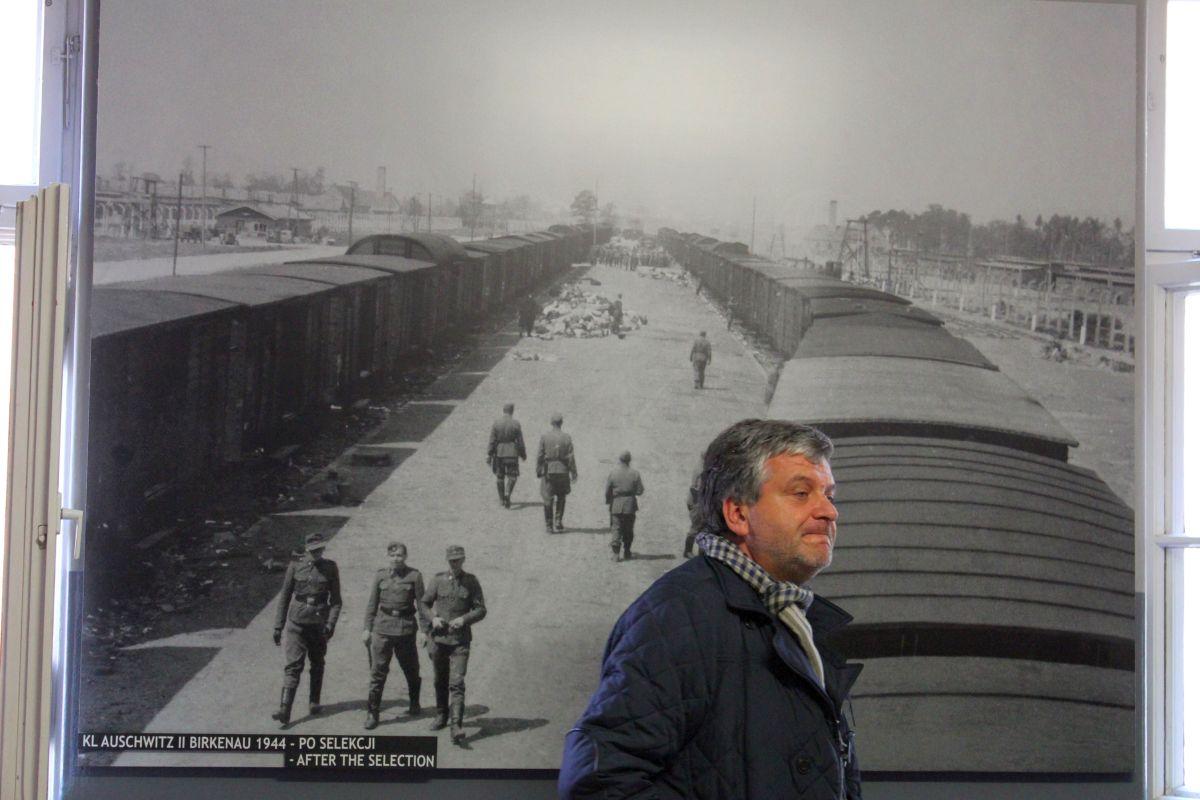 Auschwitz 14 2 298