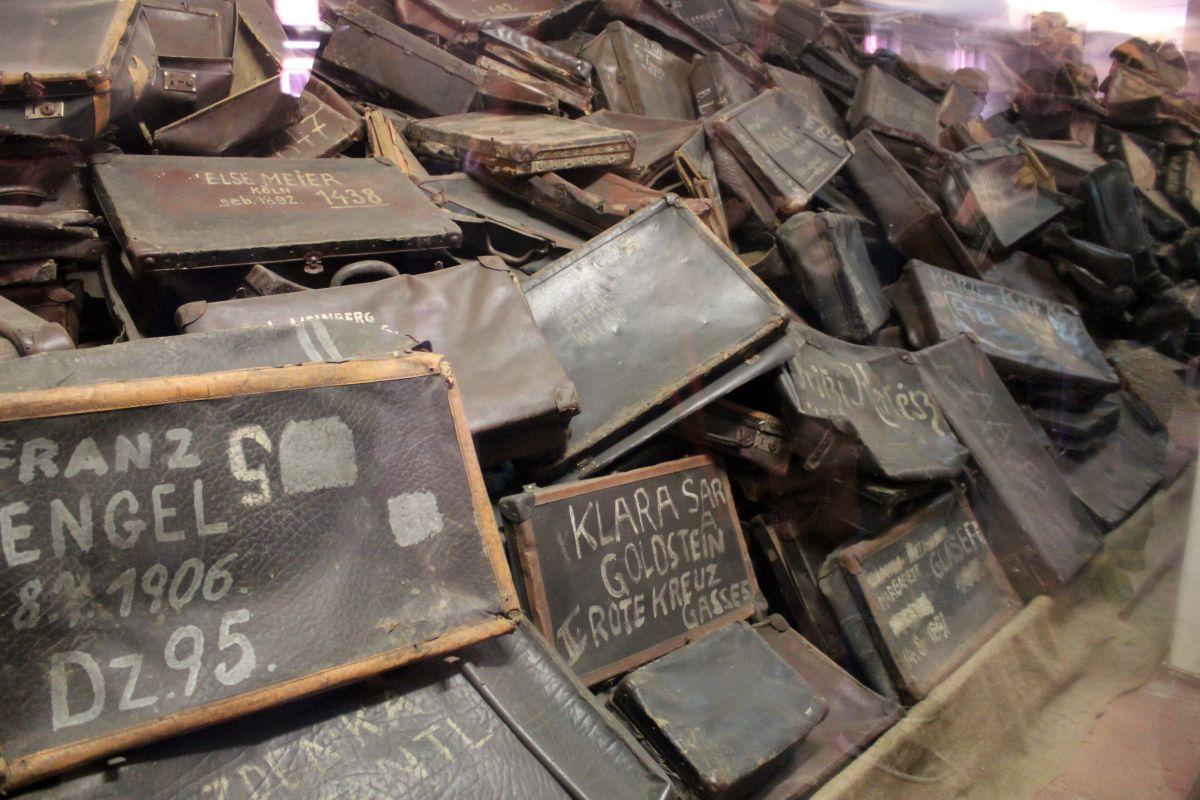 Auschwitz 14 2 311