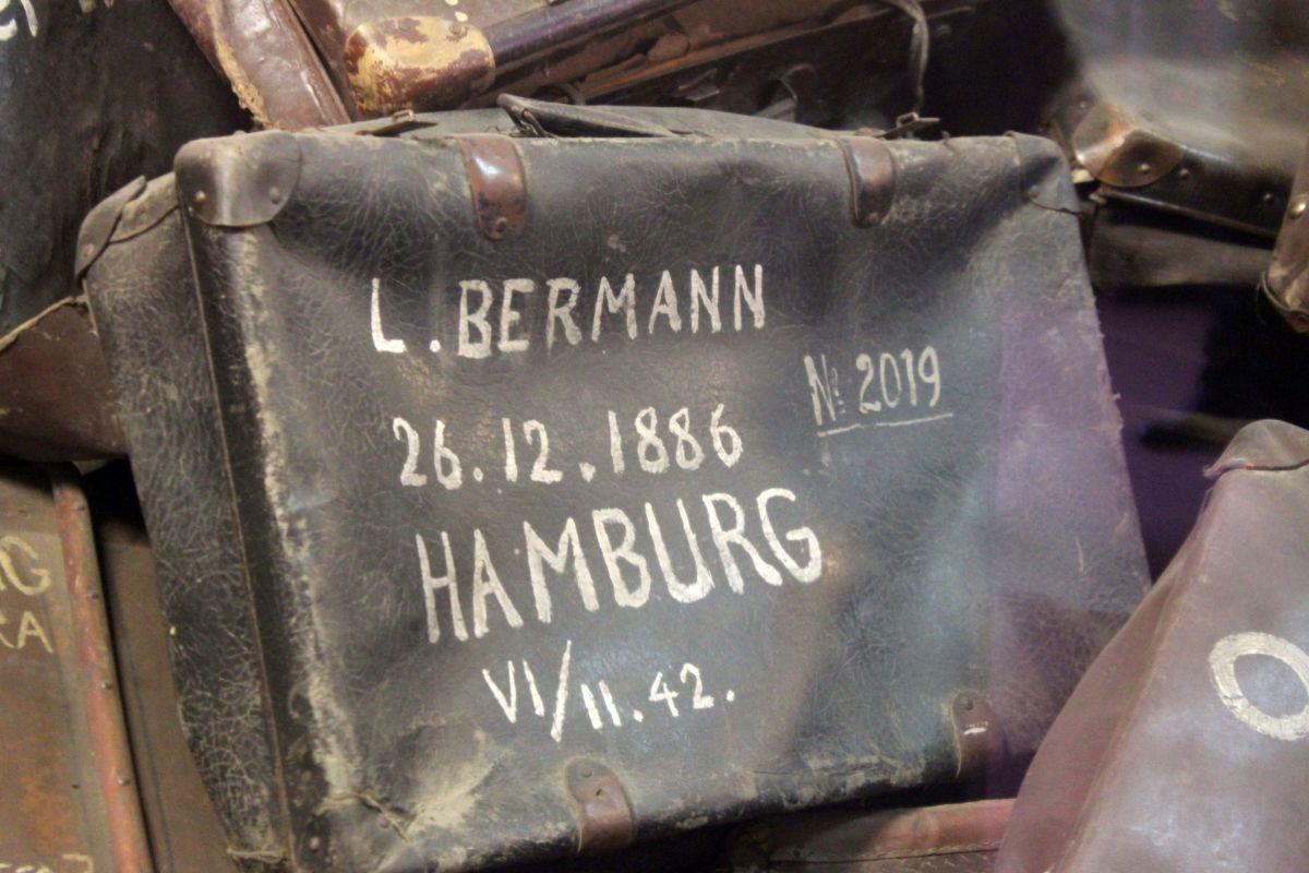 Auschwitz 14 2 314