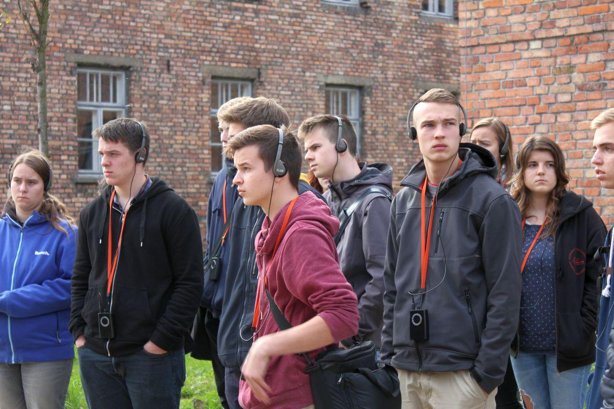 Auschwitz 14 2 323