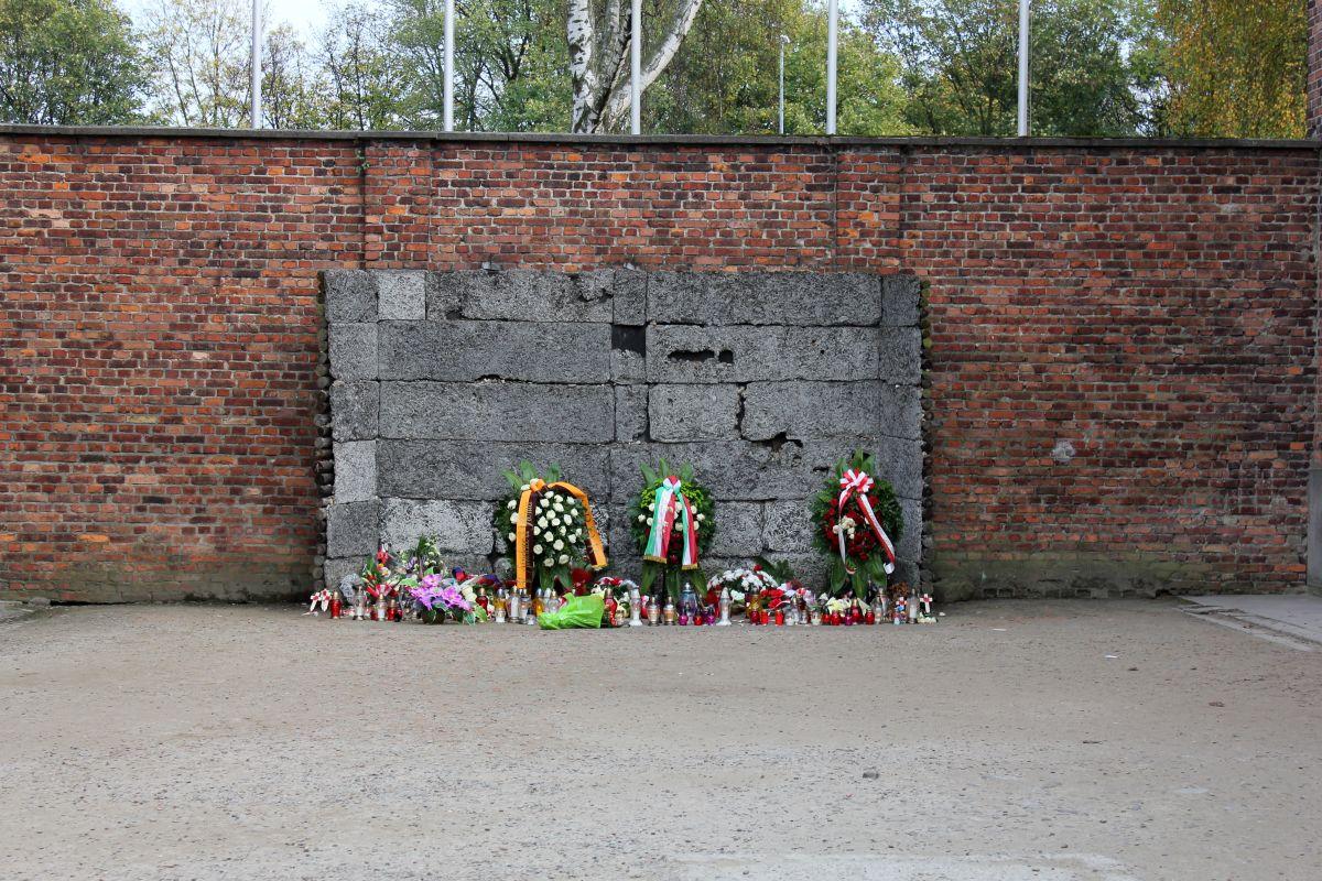 Auschwitz 14 2 333