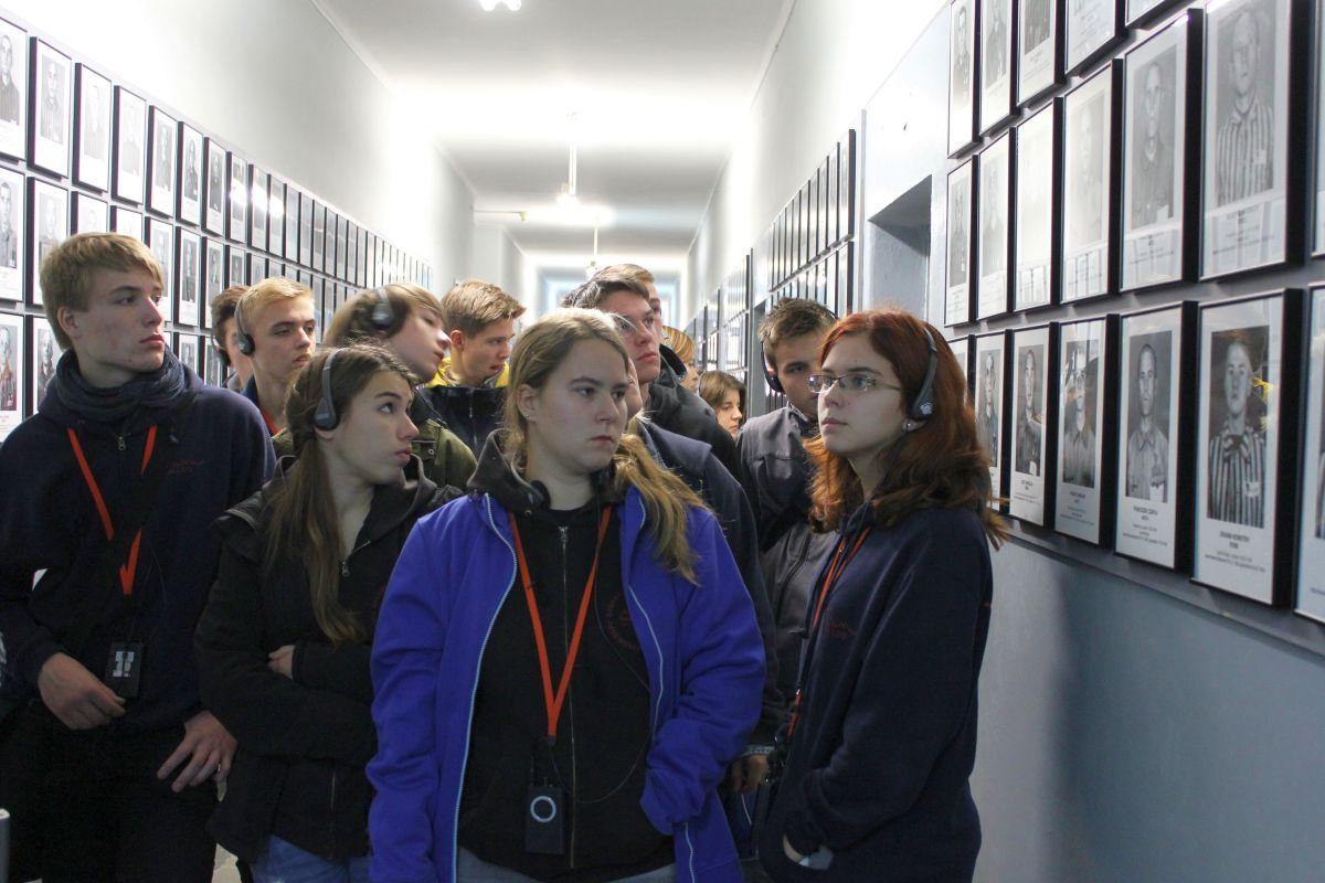 Auschwitz 14 2 340